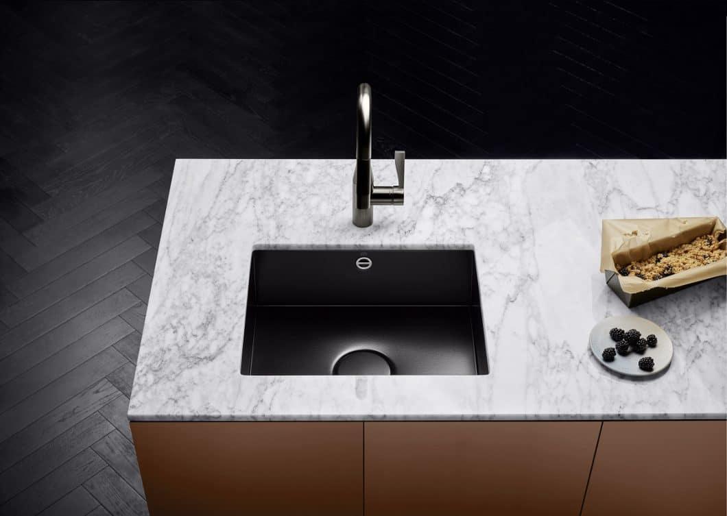 Der wichtigste Anlaufpunkt der Küche: die Wasserstelle. Mit Dornbracht wird sie auch zum ästhetischsten Objekt des Raumes. (Foto: Dornbracht)