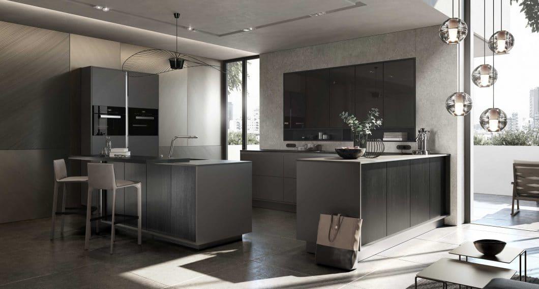 Auch bei diesem Modell sind die Küchenschränke teilweise oder sogar flächenbündig in die Raumwand eingelassen, um Wucht herauszunehmen und die feinperligen Oberflächenstrukturen zu betonen. (Foto: SieMatic)