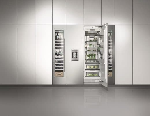 Mit Glastüren oder vollintegrierbar: Die Kühlgeräte von Gaggenau fügen sich puristisch in ihre Umgebung ein. (Foto: Gaggenau)