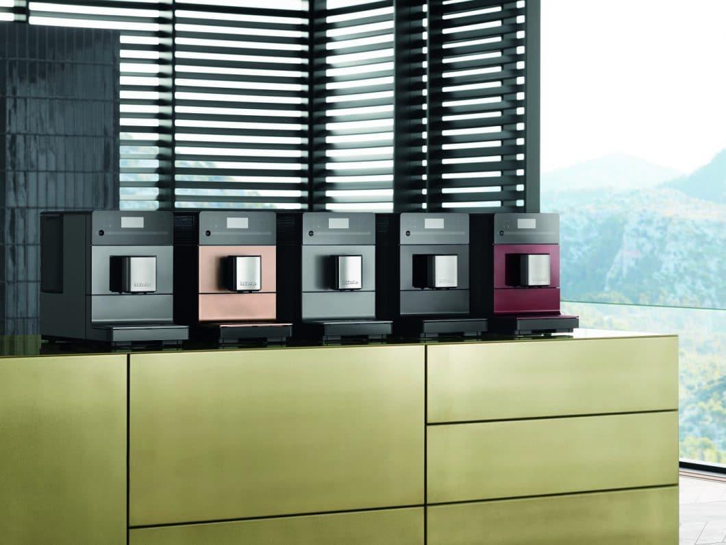 """Miele präsentiert auf der IFA 2017 den neuen Kaffeevollautomaten CM5 - und ein bislang geheim gehaltenes Produkt, das """"eine Revolution für die Küchenwelt"""" sein soll. (Foto: Miele)"""