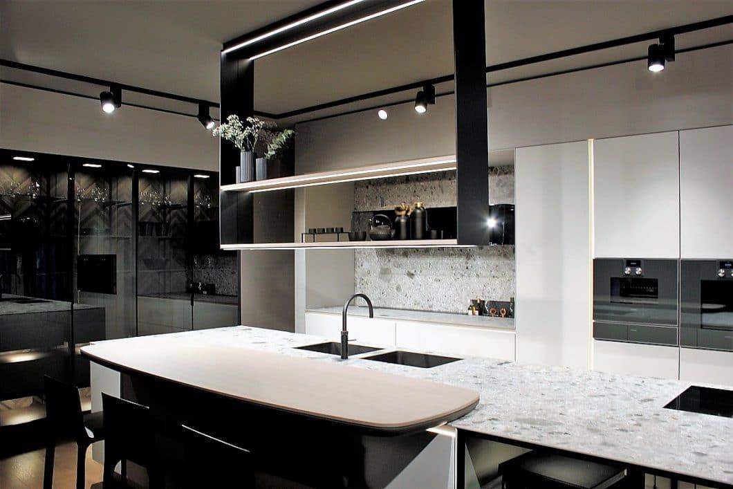 SieMatic liefert mit der neugestalteten PURE-Serie ein unglaubliches hochwertiges Küchenmodell ab - nach dem Vorbild des Industrial Styles. (Foto: Susanne Scheffer)