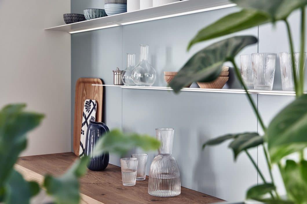 Der feinsinnige Mix aus Echtholz, hochwertigem Schichtstoff und zurückhaltenden Pastelltönen macht LEICHT zu einem individuellen Planungsprojekt für verschiedene Stilrichtungen - stets voller Authentizität. (Foto: LEICHT)