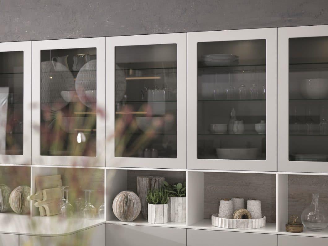 Was erwartet der Kunde von Küchen, die sich urbanen Wohnraum anpassen? Trendbewusstsein? Bar-Atmosphäre? Glanz und Glamour? Oder doch vor allem funktionalen Stauraum? rational lässt den Kunden aus 7 Stilen seiner Metropolitan-Kollektion wählen. (Foto: rational)