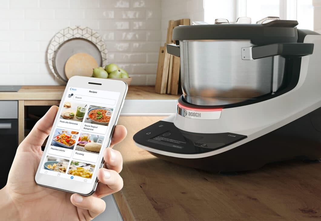 Rund um die Home Connect App hat Bosch ein smartes Ökosystem geschaffen: Wer den Cookit mit der App verbindet, hat Zugriff auf viele intelligente Funktionen. (Foto: Bosch)