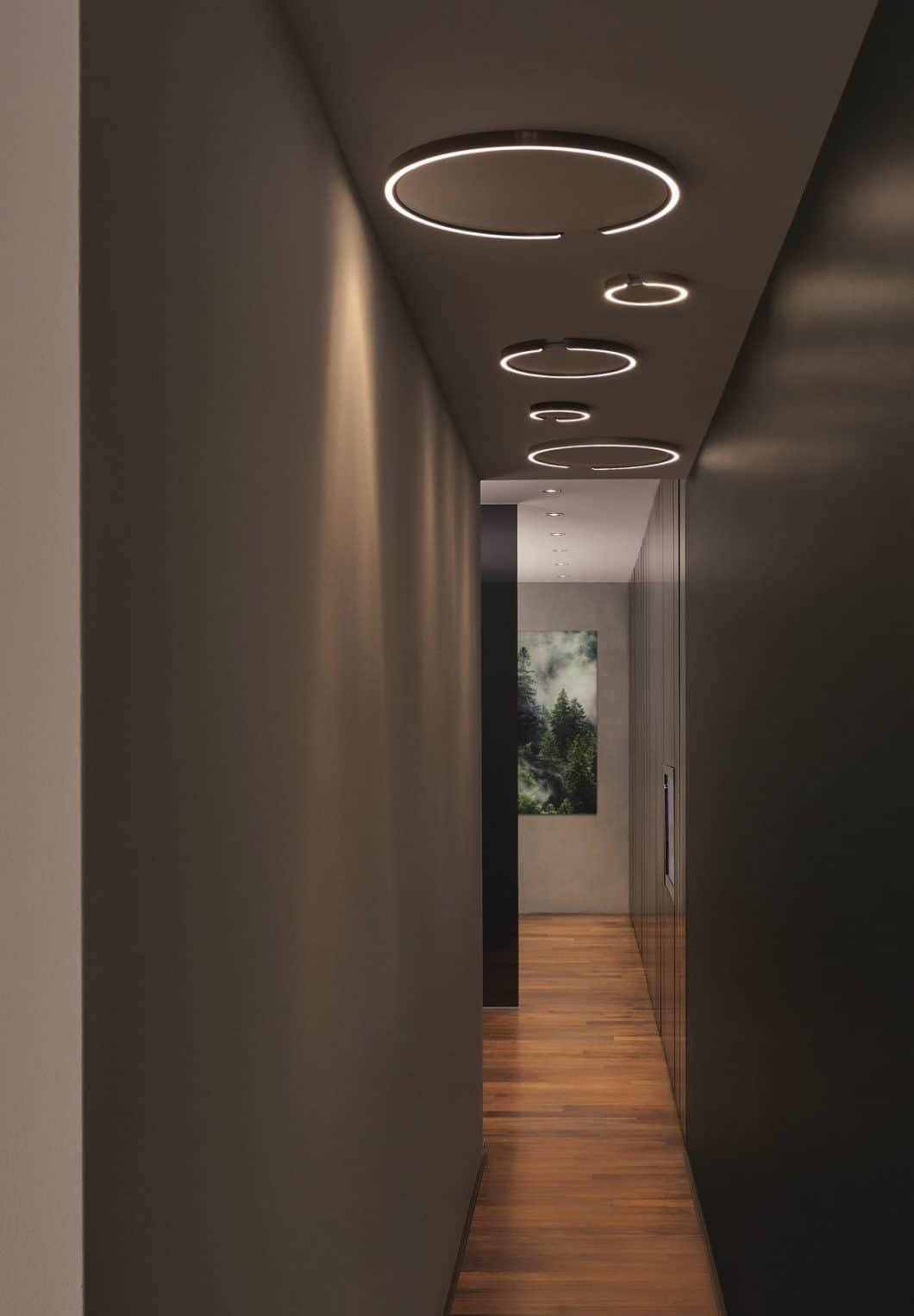Abgewandelt als Mito soffitto kann die Leuchte ideal in schmalen Fluren und Räumlichkeiten als Deckenring zur Ausleuchtung genutzt werden. (Foto: Occhio)