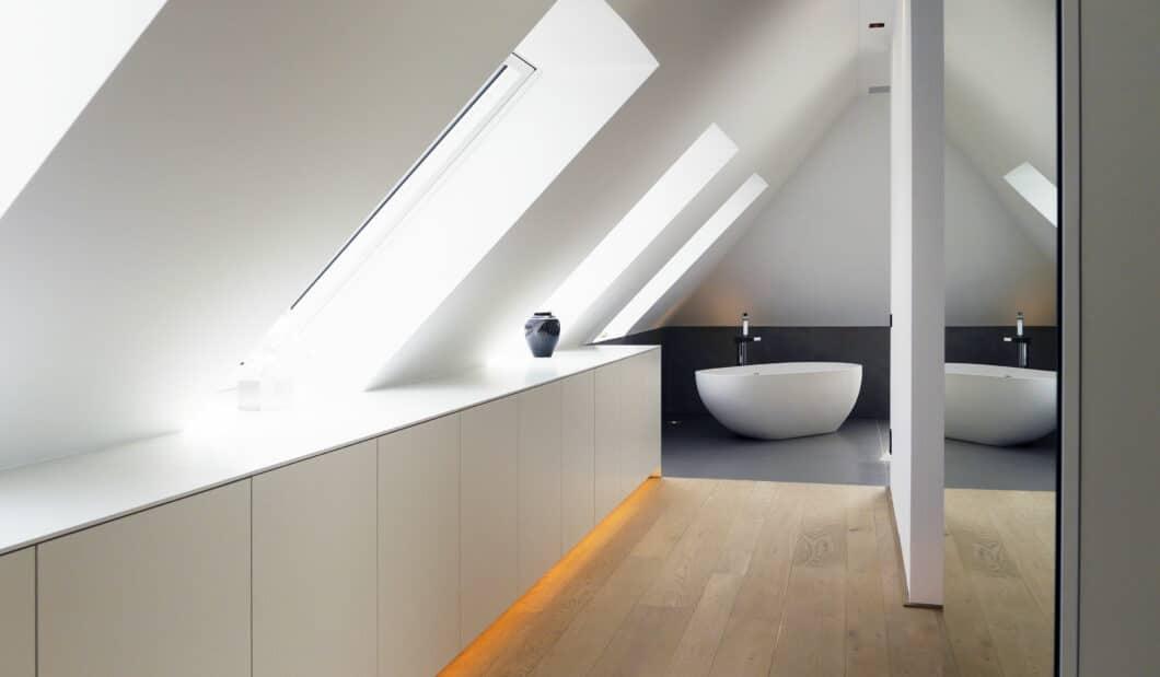 Küche, Bad, Wohnraum: ja. Aber eben auch Wände, Böden und Möbel auf Maß - all das bietet der Kompletteinrichter Hammer Margrander Interior aus dem Raum Karlsruhe. (Foto: Hammer Margrander)