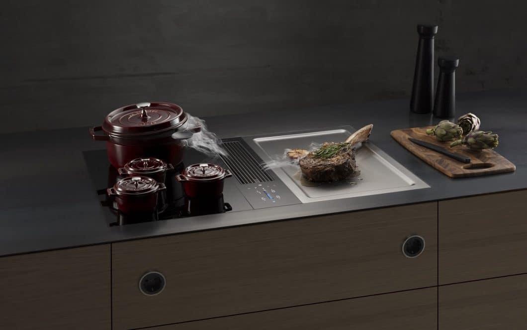 Der langgezogene Kochfeldabzug ist beim BORA Classic 2.0 kompakter geworden und wird nun ergänzt durch einen innovativen, neuen Vertikal-Slider sControl+. (Foto: BORA)