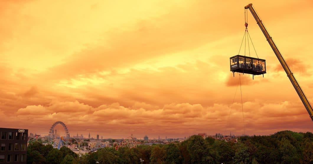 ... oder dem bunten Treiben auf dem Münchner Oktoberfest aus sicherer Entfernung zusehen. (Foto: BORA)