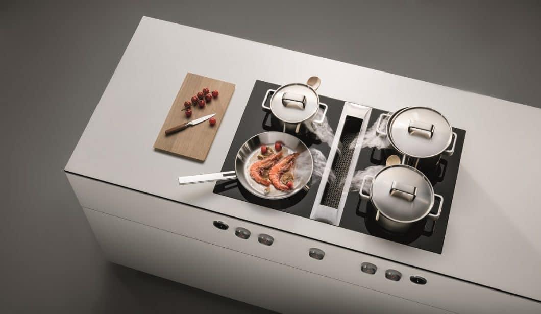 Freie Sicht in der Küche: Die BORA-Kochfeldabzüge operieren direkt da, wo der Dunst entsteht - und haben mit ihrer Funktionalität die moderne Küchenplanung revolutioniert. (Foto: BORA)