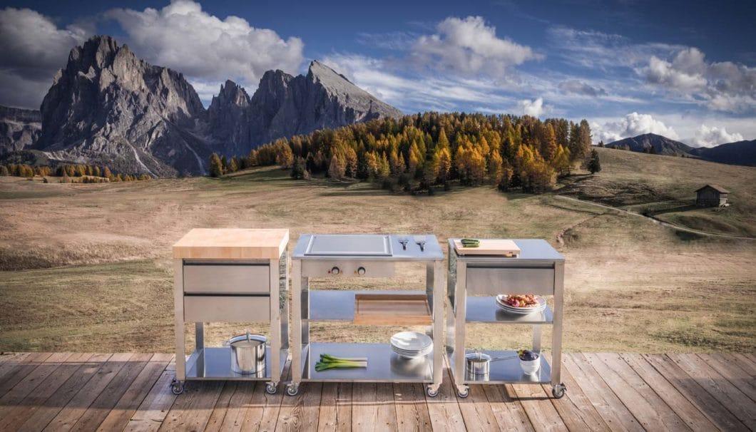 Etablierte Outdoorküchen-Hersteller wie Jokodomus, Alpes Inox oder Steininger profitieren vom Hype. Ihre Spezialisierung auf Module, die beliebig kombinierbar sind, stärkt ihre Stellung. (Foto: Jokodomus)