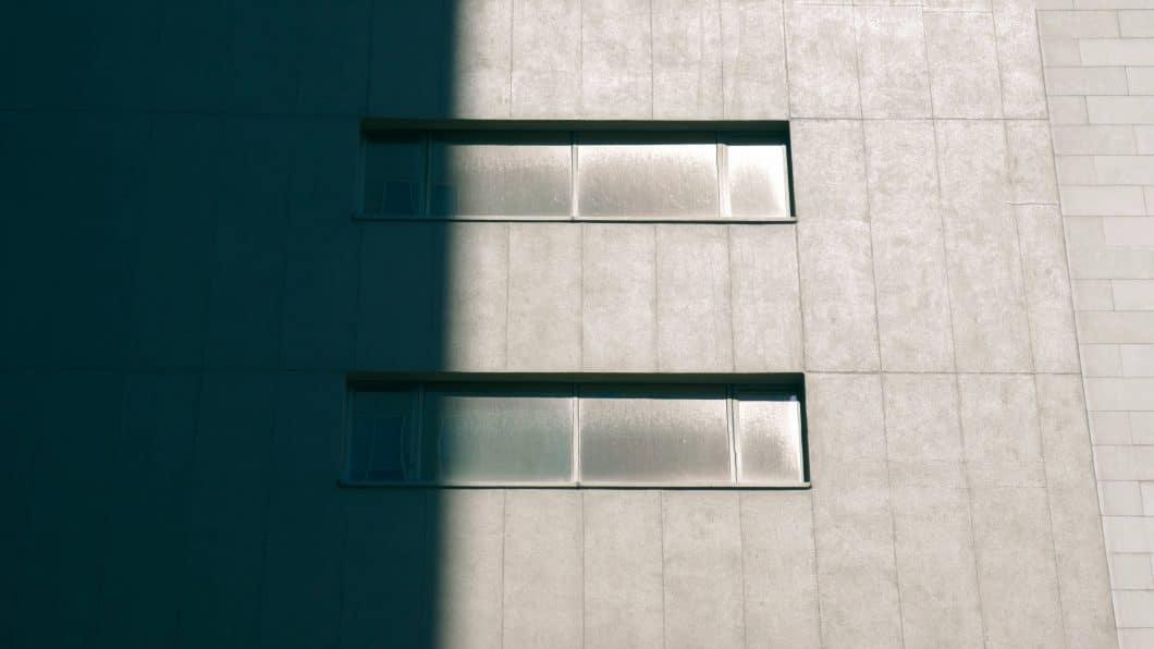 """""""Brutalismus"""" wurde der 70er-Jahre Baustil genannt, in dem mit Vorliebe überdimensionale Betonbauten aufgestellt wurden. Von Materialschönheit war Beton da noch weit entfernt. (Foto: Jeffrey Glos)"""