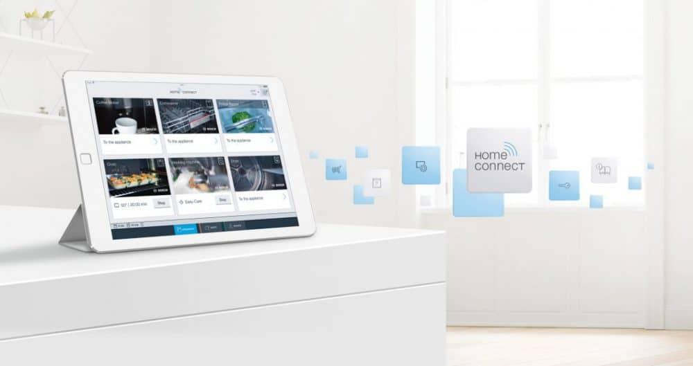 Das Smart Home entwickelt sich immer weiter: Von mechanisierten zu automatischen Abläufen, von Selbst- zu automatischer Kontrolle - und von einzelnen Abläufen zu einer digitalen Interkonnektivität via Smartphone oder Tablet. (Foto: Bosch Home Connect)