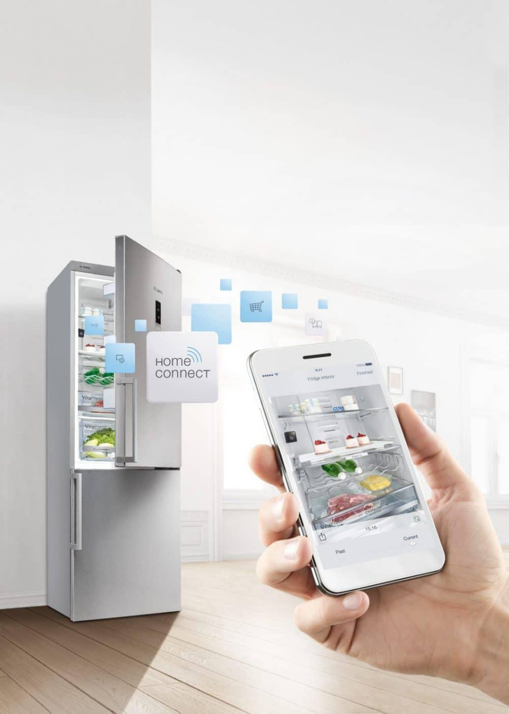 Den Kühlschrankinhalt scannen, Einkaufslisten erstellen, das Gerät aus der Ferne runterkühlen: Viele Benutzer wissen gar nicht um alle Funktionen ihrer elektronischen Geräte. Ein Zeichen, dass sie es nicht benötigen? (Foto: Bosch Home Connect)