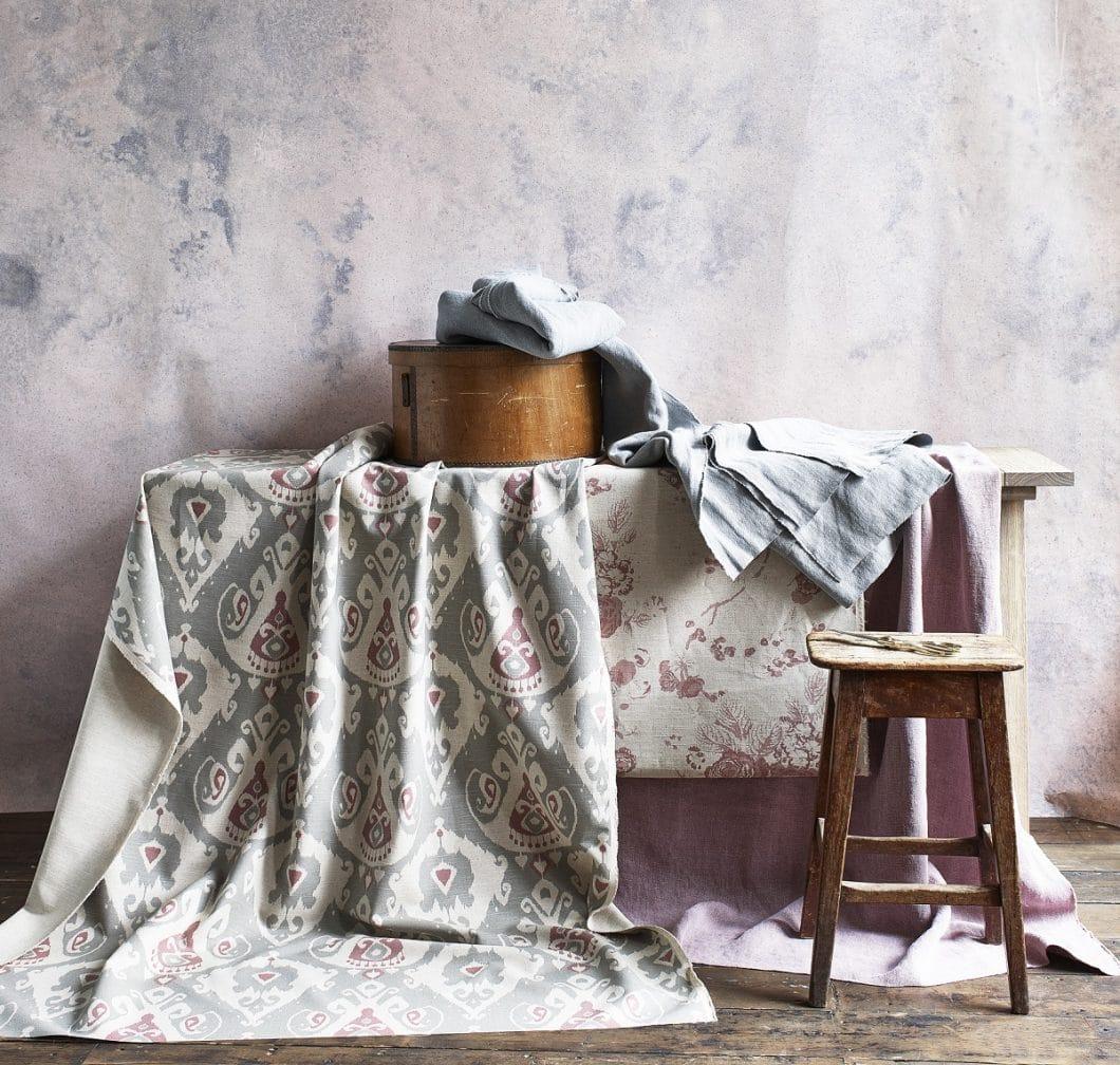 Old Rose gleicht einem zarten Hauch von Frühling, der in die eigenen vier Wände einzieht. Aber eben auch dem warmen Gefühl von Zuhause und Geborgenheit, mit dem man sich wohlfühlt. (Foto: Neptune)