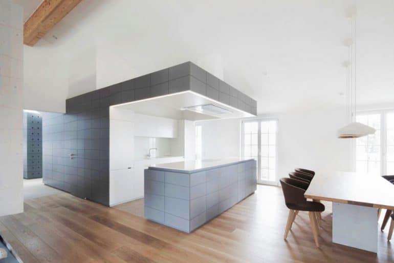 Wände aufbrechen und das Licht hereinlassen: So mancher Küchenraum wurde dadurch bereits vom hässlichen Entlein zum schönen Schwan... (Design: Destilat)