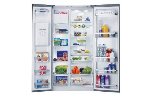 """Die V-ZUG AG aus der Schweiz mit ihrem """"Foodcenter"""", dem Monument aus der Welt der Kühlschränke."""