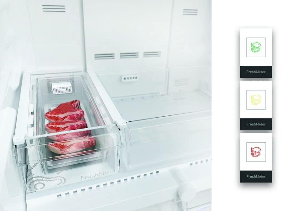Die im Multitür-Kühlschrank von Grundig integrierte Box für Fisch, Fleisch und Gemüse mit FreshMeter-Technologie: Die Farbe zeigt den Zustand des Lebensmittels an. (Foto: Grundig)