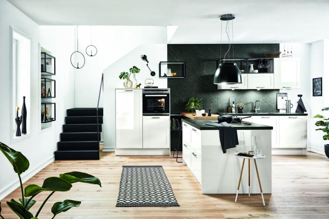 Häcker aus Rödinghausen zählt zu den großen deutschen Küchenherstellern, wird aber in Studios und Möbelhäusern oft unter einem anderen Namen vertrieben. Die Küchen sind grundsolide und abwechslungsreich. (Foto: Häcker)