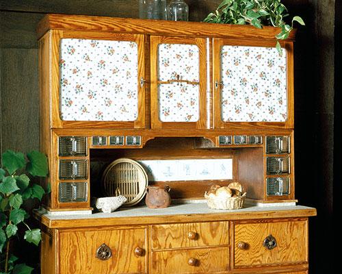 Mit handgeschreinerten Küchenbuffets fing alles an: 1930 wurde die Firma von Ernst Rempp gegründet und mit den nachfolgenden Generationen zu einem angesehenen Küchenhersteller entwickelt. (Foto: Rempp Küchen)