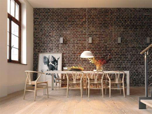 Hingucker und Mittelpunkt des Küchenraums zugleich: Nicht die Couch - sondern der heimische Küchentisch. (Foto: bulthaup)