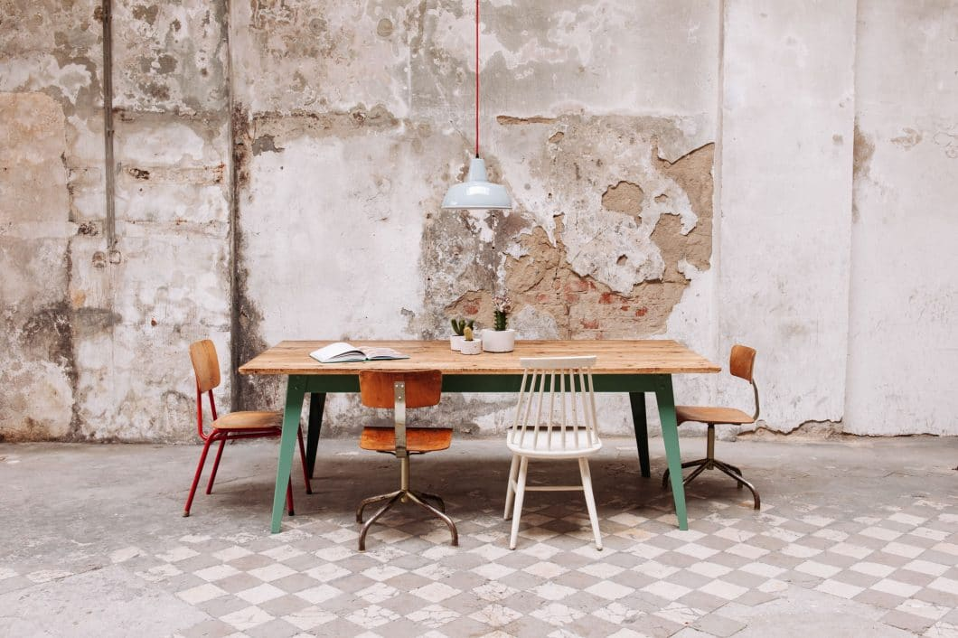 """Die Firmengeschichte von Jan Cray Möbel & Küchen begann mit der Tisch- und Stuhlkollektion von """"6Grad"""", die begeistert von Firmen- wie Privatkunden aufgenommen wurde. (Foto: Jan Cray Küchen)"""