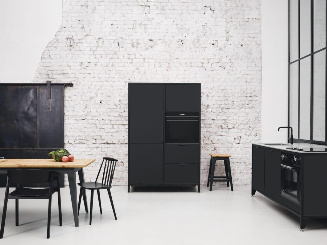 Simpel, puristisch, flexibel - und äußerst elegant im Industrial Style: die modularen Küchenmöbel von Jan Cray treffen den Geschmack der Zeit. (Foto. Jan Cray Küchen)