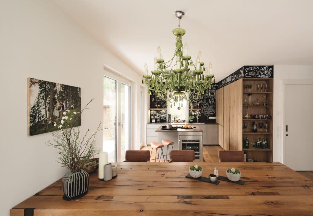 Ein Münchner Paar, das großen Wert auf Design und Ästhetik legt, hat sich vor mehreren Jahren bereits zu einem Küchenraum im puristischen Industrie-Stil entschieden. (Foto: küchenART München)