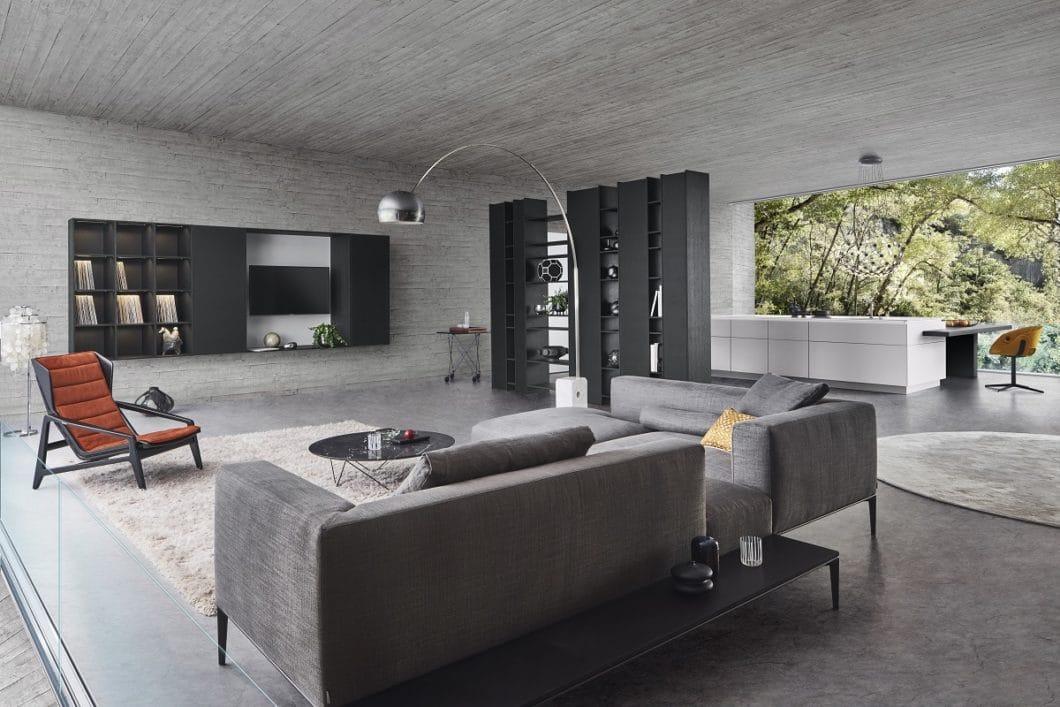 LEICHT avanciert von der Küchen- zur Raumplanungsmarke: für 2020 stellt sich das Unternehmen bewusst auch mit Raumtrennern, Sideboards und Materialien für die Wand- und Bodengestaltung auf. (Foto: LEICHT)
