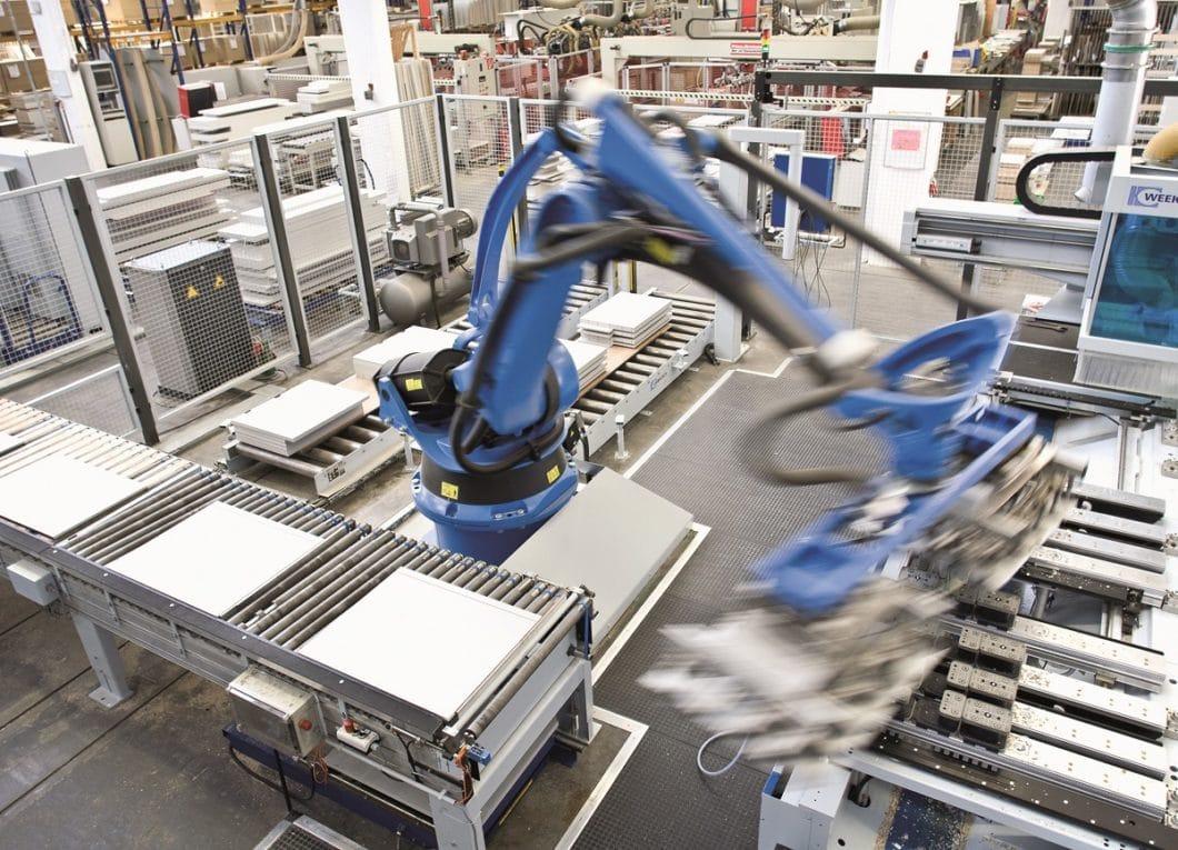 LEICHT verpflichtet sich durch den DGM-Klimapakt zu einer umweltfreundlichen Produktion, in der Ökostrom fließt, Energiesparleuchten eingesetzt werden und nachhaltige Maschinen zum Einsatz kommen. (Foto: LEICHT)