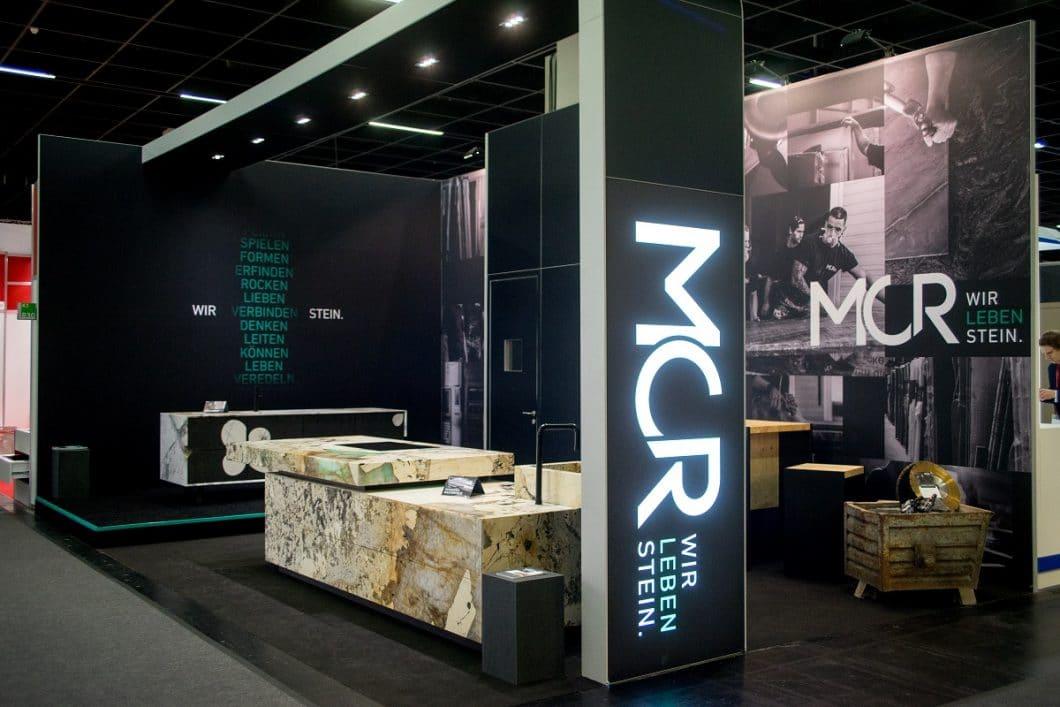 Die Natursteinmanufaktur MCR präsentierte sich auf der LivingKitchen mit dem modularen Stein-Gestaltungskonzept n'Stee - und stellte erstmals auch das Team hinter Idee und Material vor. (Foto: Marmor-Center Römhild)