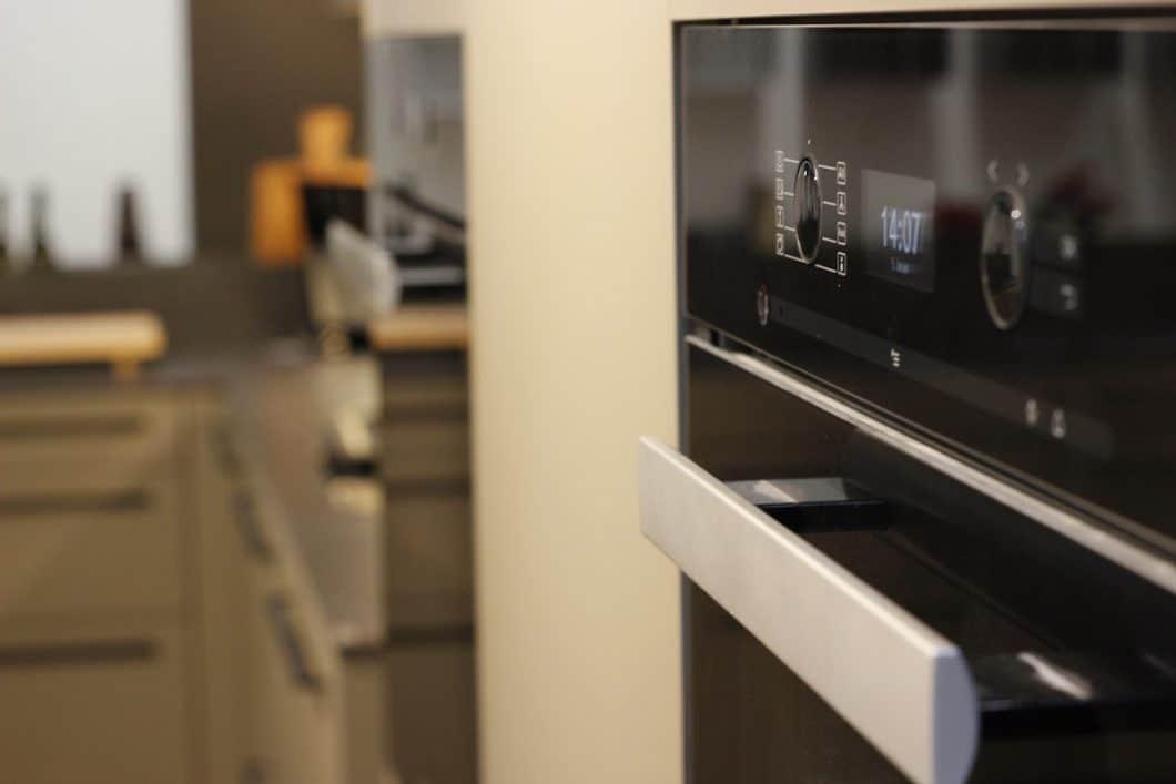 Küchengeräte-Hersteller wie Miele, Gaggenau und V-ZUG präsentieren ihre Neuheiten in der City of innovative living - und lassen sich vor Ort unkompliziert testen. (Foto: Scheffer)