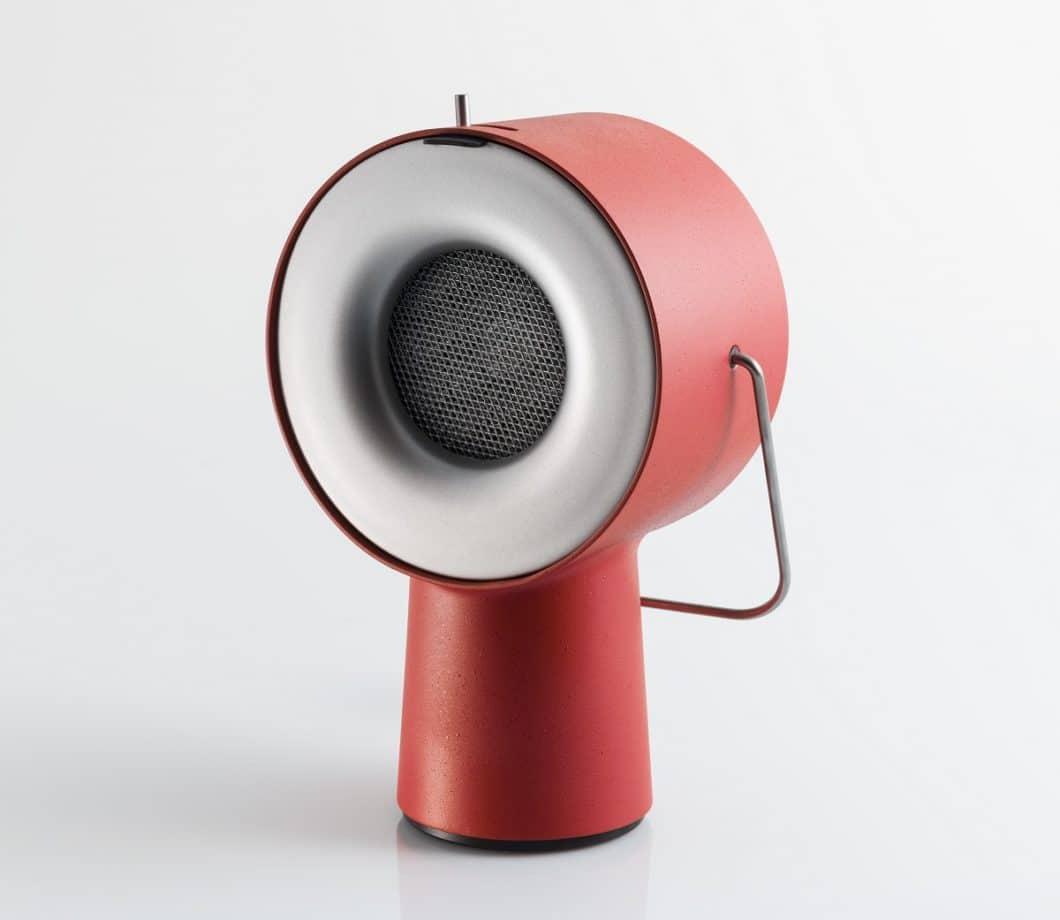 Der tragbare Dunstabzug soll nicht nur ein funktionaler Begleiter im Küchenalltag sein, sondern auch ein formschönes Objekt - darauf legt Produktdesigner Maxime Augay besonders Wert. (Foto: Augay)