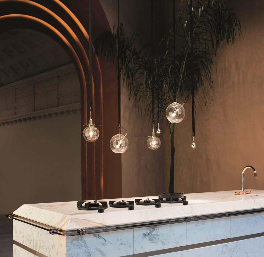 Die Novy Gasbrenner zeigen, wie stilvoll das Gaskochfeld in die moderne Küche von heute integriert werden kann. Rural und doch höchst ästhetisch - ein markantes Designobjekt im Mittelpunkt des Geschehens. (Foto: Novy)