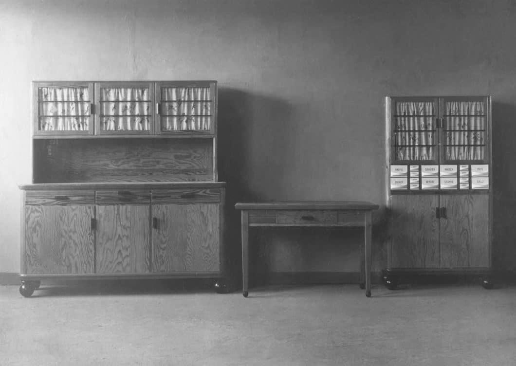 So wie Poggenpohl starteten viele renommierte Küchenhersteller: indem sich ihre Ursprungsbetriebe von einfachen Tischlereien hin zu Küchenmanufakturen spezialisierten. Heute wendet sich das Blatt. (Foto: Poggenpohl)
