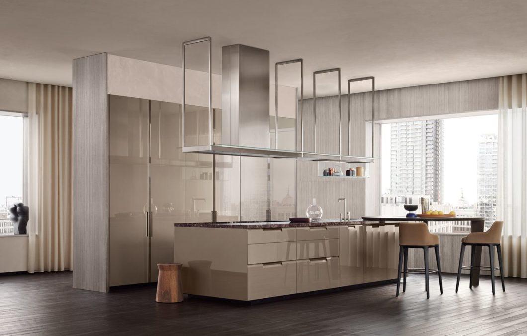 Hochglanz in der Küche wirkt luxuriös und edel. Fronten dieser Art sind seit Jahren sehr beliebt. (Foto: Poliform)