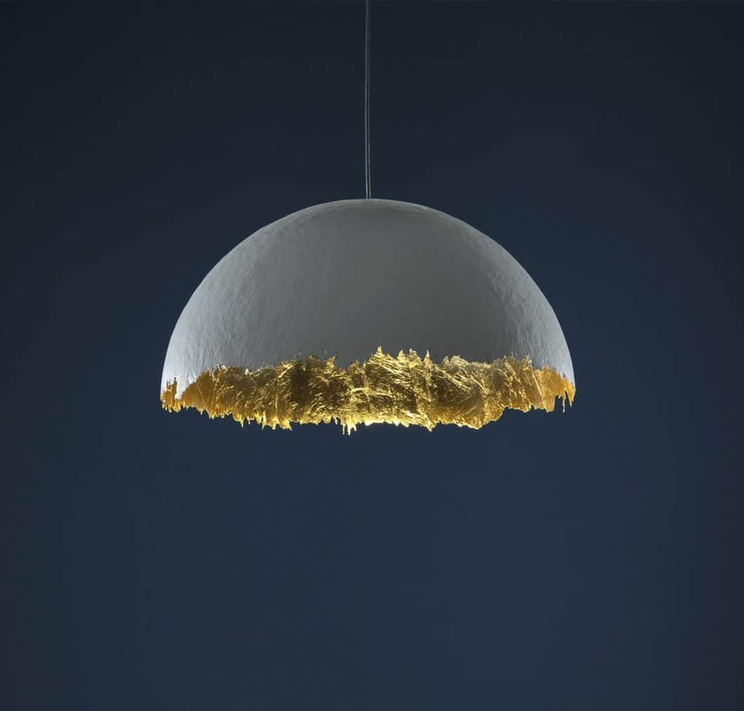 Sehr extravagant auf ihre ganz eigene Weise kommen die Leuchten der italienischen Designmarken Catellani & Smith (Bild) und FLOS daher. Während Catellani eher auf expressionistische Leuchtenkunst setzt... (Foto: Catellani & Smith)