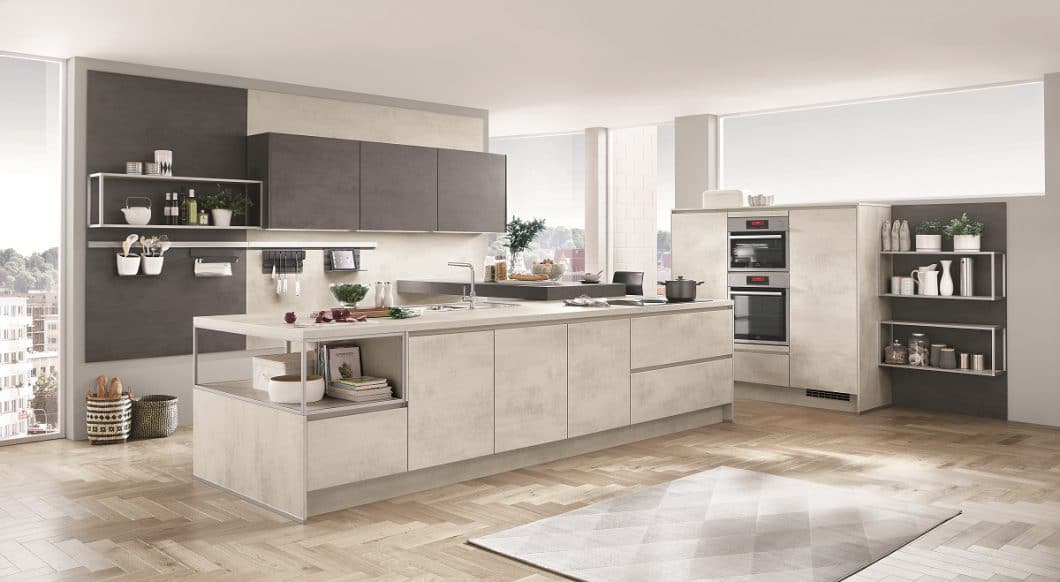 """Beton in der Küche ist wieder in - das hat auch nobilia erkannt und greift den Werkstoff als täuschend echte Nachahmung in diesem Modellbeispiel """"Riva"""" auf. (Foto: nobilia)"""