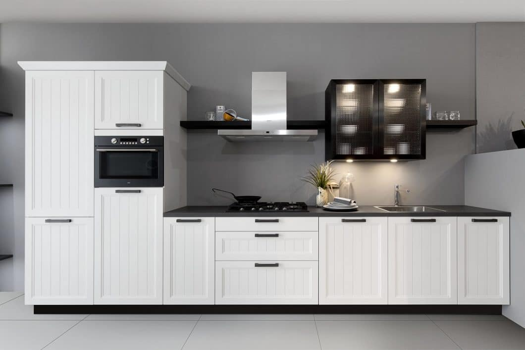 3 Weisse Kuchen Mit Unterschiedlichem Stil Landhaus Design Purismus