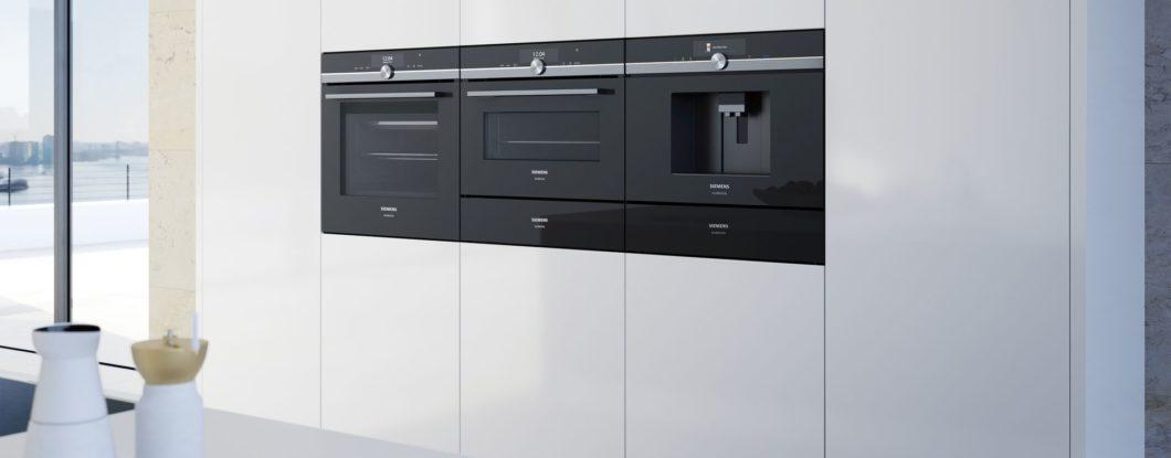 Wer gerne kocht, achtet bei der Küchenplanung besonders auf die Geräteausstattung. Doch am Markt tummeln sich viele Hersteller und noch mehr Geräte. Siemens versucht nun, persönliche Kochvorlieben mit passenden Geräten zusammenzubringen. (Foto: Siemens Hausgeräte)