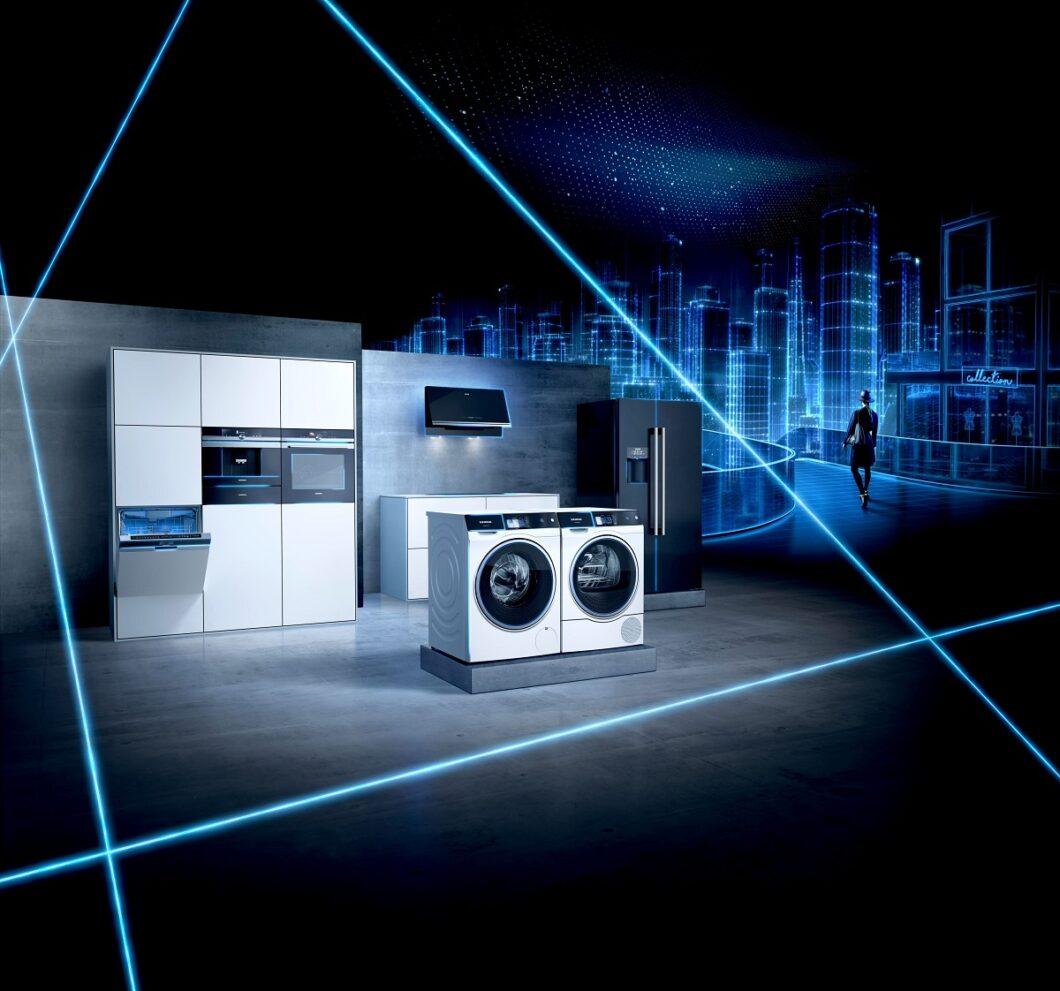 Stählernes blaues Licht symbolisiert den Fortschritt der Technik und Zukunftsgedanken der Küchenbranche. Es ist seit jeher auch die Signalfarbe von Siemens, die in der Küche Eingang findet. (Foto: Siemens Hausgeräte)