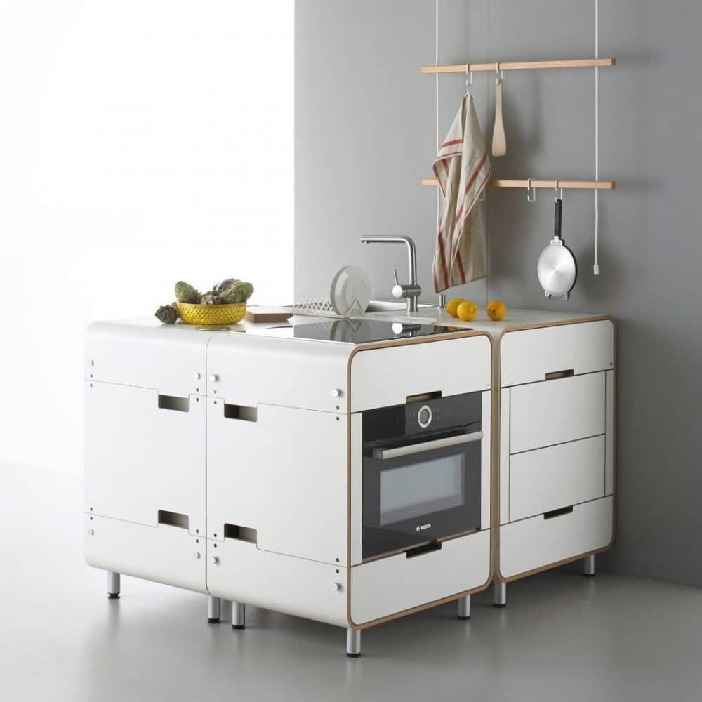 Die Küche 'A la carte' verbindet minimale Platzmöglichkeiten mit maximaler Funktionalität, sodass eine erweiterte Pantryküche entsteht. (Foto: Stadtnomaden)