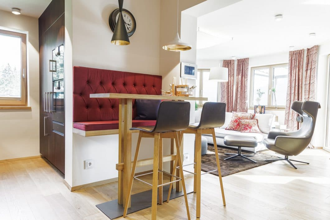Essbereich als Trenner zwischen Küche und Wohnzimmer