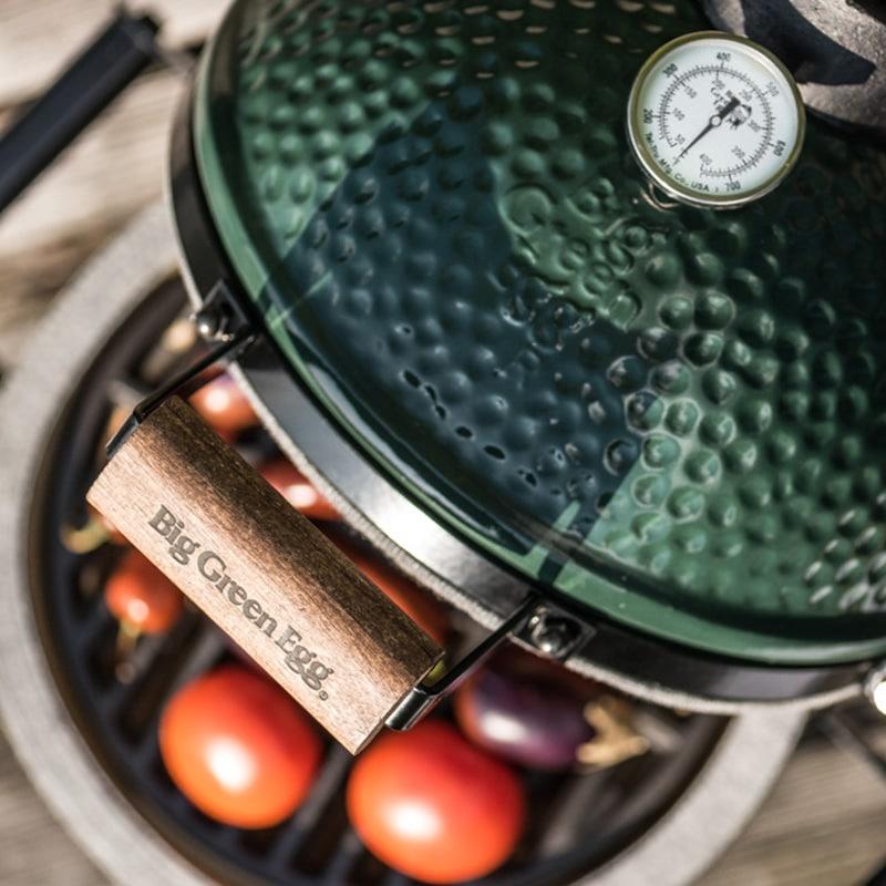 Unser Fazit: im aktuellen Luxus-Grill-Segment hat das Big Green Egg sowohl optisch als auch geschmacklich die Nase - pardon - Haube vorn. (Foto: Big Green Egg)