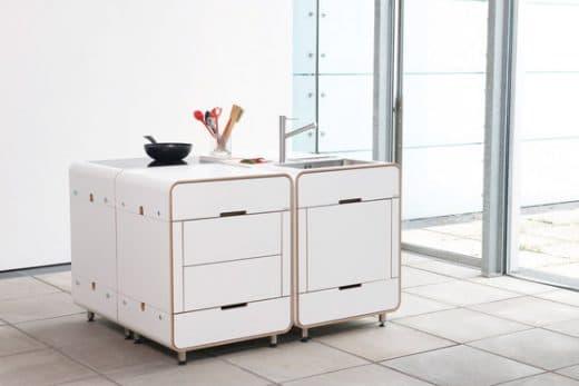 """Nachttischschränke als Küchenblock? Die Stuttgarter """"Stadtnomaden"""" haben mit der Modulküche """"a la carte"""" ein Stück Designgeschichte geschaffen. (Foto: Stadtnomaden)"""