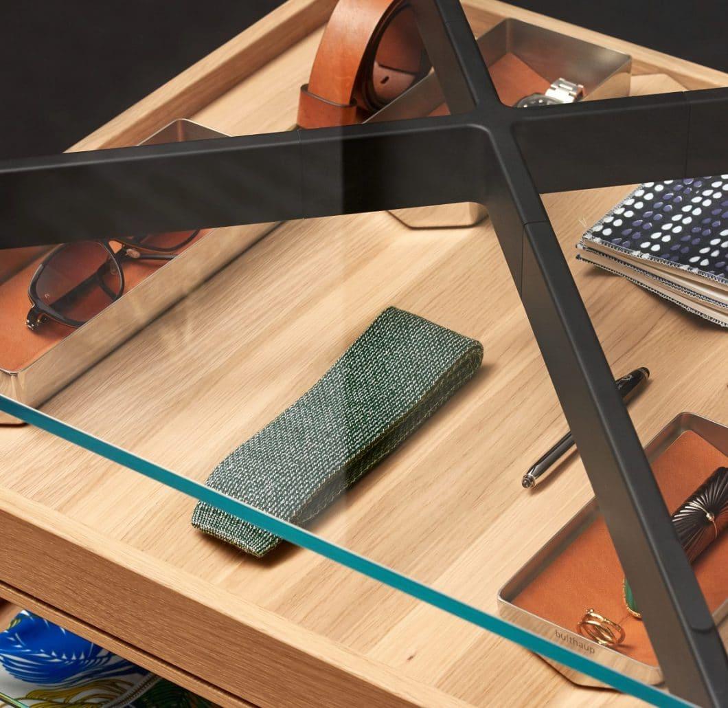 Luxuriöse Schätze des alltäglichen Lebens können künftig im bulthaup b Solitaire Glas aufbewahrt und präsentiert werden. (Foto: bulthaup)