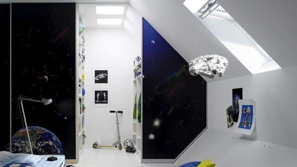 Ein Highlight im Kinderzimmer: Die Schiebetür lässt sich schließen und zeigt ein tiefblaues Weltall - dahinter verbirgt sich der Kleiderschrank. Auch ideal auf kleine Küchen anwendbar!
