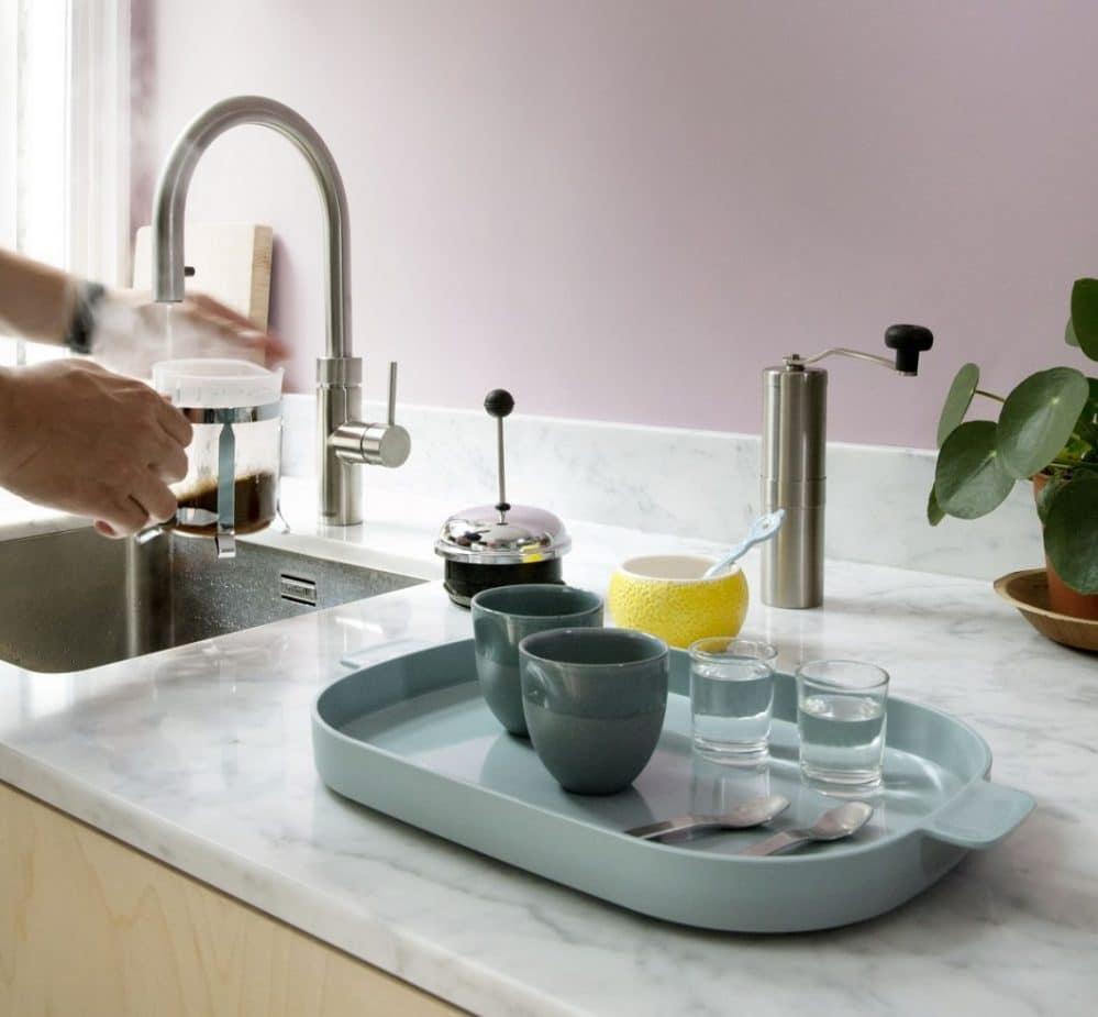 Der Quooker und Quooker Fusion sind bereits fester Bestandteil vieler Küchenräume: sie liefern kochend heißes Wasser sowie normal warmes und kaltes Wasser direkt aus einem Hahn. (Foto: Quooker)