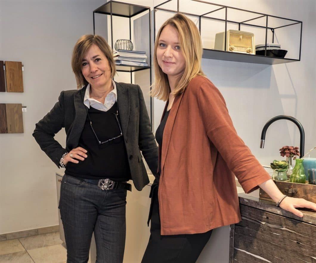 Die beiden Küchenplanerinnen Katharina Böll und Sarah Schieck vom Studio küchenART in München haben bereits vor mehreren Jahren den Trend des Industrie-Stils als Inspiration aus Italien mitgenommen - und beim Kunden direkt umgesetzt. (Foto: küchenART München)