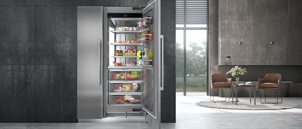 Die Monolith-Kühlserie von Liebherr ist ein Statusobjekt, das mit hochwertigem Interieur, blendfreiem Licht, luxuriösen Außenmaterialien und überzeugenden technischen Funktionen glänzt. Auf der IFA 2018 wurde die Serie erstmalig auf dem deutschen Markt vorgestellt. (Foto: Liebherr)