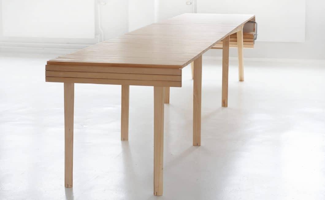Die dreiteiligen Frontbeine des Roll Out Tables können auseinandergenommen und einzeln als Stütze verwendet werden. (Foto: Marcus Voraa)